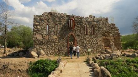 развалины средневекового замка